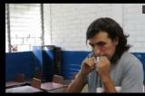 Artista enfrenta siete años de cárcel por comerse papeleta de votación