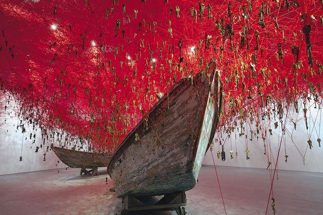 Chiharu Shiota en la Bienal de Venecia   Foto: Sunhi Mang