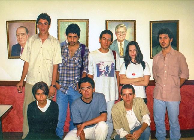 De izquierda a derecha fila de arriba: Mauricio Vera, Ernesto Ordóñez, Giovanni Vargas, Ana Millan, Leonardo Herrera. De izquierda a derecha fila de abajo: Diana Lasso, Wilson Diaz, Andres Sandoval.