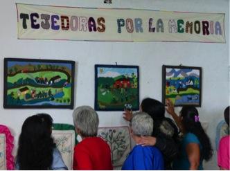 """Costurero Tejedoras por la Memoria de Sonsón, """"Nunca más: Voces y materialidades de la memoria"""" (2009-2014)"""